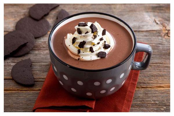 طرز تهیه شکلات داغ در خانه
